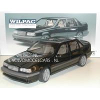 Volvo 850 1:18 850 R Sedan zwart AutoART